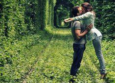 Άνθρωπός σου, είναι αυτός που διώχνεις & γυρνά να σου δώσει & άλλη αγάπη. Tunnel Of Love, See World, Love Natural, Ukraine, Couple Photos, Nature, Places, Green, Couple Shots