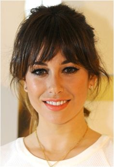 Intitulado The post Intitulado appeared first on Peinados. Haircuts With Bangs, Hairstyles With Bangs, Cool Hairstyles, Medium Hair Styles, Short Hair Styles, Look 2018, Corte Y Color, About Hair, Hair Looks