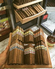 Nice collection of cigars, wish my humidor looked like this