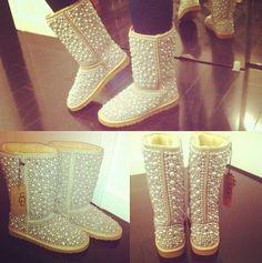 PEARL UGGS OMG I MUST HAVE