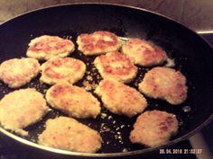 Une idée sympa pour écouler les restes et surtout pour garnir les wraps.. Il vous faut: des restes de poulet, un reste de purée, quelques champignons de paris, un oignon, un peu de curry ( facultatif) un peu de rapé, un oeuf, 2 grosses cas de farine,...