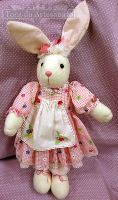 Sewing Crafts, Sewing Projects, Farm Fun, Cat Sweaters, Soft Dolls, Fabric Dolls, Easter Bunny, Diy Gifts, Baby Dolls