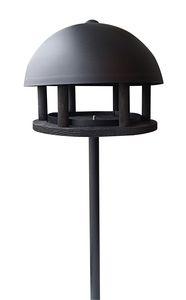 Durch das elegante Design unterscheidet sich das Futterhaus Dome Oak von den klassischen Futterstationen. Das Stahldach in schwarz ist pulverbeschichtet und hat einen Durchmesser von 35 cm. Durch die Leiste in der Mitte der Bodenplatte wird sichergestellt, dass das Futter nicht herunterfallen kann. Zur Reinigung der Platte kann die Metallschiene einfach entfernt werden. Für die Stabilität sorgt der 3-teilige Ständer, der ebenfalls in schwarz gehalten und ca. 1,35 m lang ist. Maße (LxBxH)…