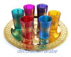 Vasos para el té marroquíes, estilo árabe, para servir con una bandeja, tetera, azucarero de alpaca, para tomar el té moruno, venta online.  Vienen en una caja de 6 vasos, cada uno de un color.  Entrega en 24 horas.