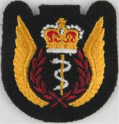 Royal Canadian Air Force Flight Surgeon Wings Padded On Dark Green Foreign Air Force insignia for sale Queen Elizabeth Crown, Green Queen, Crests, Commonwealth, Armed Forces, Motto, Badges, Flags, Tatoos