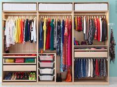 För mycket kläder och för lite förvaring? Med nya KOMPLEMENT skapar du själv din PAX garderobs insida helt efter behov och smak. Nu får allt äntligen sin egen plats! Ikea Storage, Bedroom Storage, Konmari, Childrens Bunk Beds, Wardrobe Design Bedroom, Bed Images, Closet Layout, Modern Bedroom Decor, Dorm Room Organization
