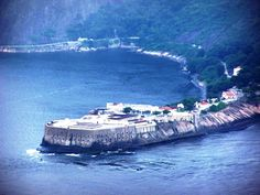 Fortaleza de Santa Cruz da Barra (Charitas em Niterói) na Entrada da Baía de Guanabara - Rio de Janeiro