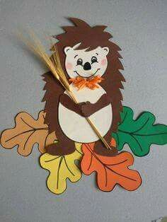 Excellent Pictures fall Paper Crafts Concepts Paper crafts will be as varied while you'll like them to help be. From sophisticated to help easy, Fall Paper Crafts, Autumn Crafts, Autumn Art, Diy And Crafts, Crafts For Kids, Arts And Crafts, Hedgehog Craft, Fall Preschool, School Decorations