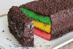 Rainbow cookie cake Christmas is the season for magical sweet creations. This rich, colorful, chocolate-drenched cake is a must-have on any holiday table. Cookie Desserts, Just Desserts, Cookie Recipes, Delicious Desserts, Dessert Recipes, Lemon Desserts, Chocolate Desserts, Cupcakes, Cupcake Cakes