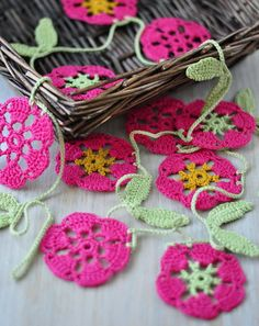 Crochet garland - Deco wall hanging - Bunting - Doily - Pink