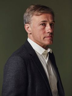 TIFF is a charitable cultural organization with a mission to transform the way people see the world, through film. Christoph Waltz, Thom Yorke, Favorite Movie Quotes, Elle Fanning, Millie Bobby Brown, Studio Portraits, Celebs, Celebrities, Men Looks
