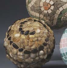 Love these.  And they are so easy to make for the garden.  more balls :D