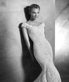 KAIRA - Romantic lace wedding dress   Pronovias
