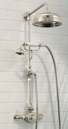 Bathroom shower fixtures interior design 16 Ideas for 2019 Vintage Bathroom Decor, Vintage Bathrooms, Bathroom Wall Decor, White Bathroom, Bathroom Faucets, Small Bathroom, Luxury Bathrooms, Bathroom Ideas, City Bathrooms
