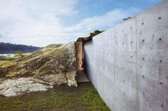 the Pierre house by Olson Kundig Architects, dynamite was used to carve out the site for this raw concrete house that nestles among the boulders on one of the San Juan Islands, off the coast of Seattle, USA Architecture Cool, Landscape Architecture, Concrete Architecture, Contemporary Architecture, Contemporary Furniture, Zaha Hadid, Casa Do Rock, Rock Rock, House On The Rock