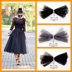 Из такого материала можно сделать такую же юбку.  www.fatin.ru