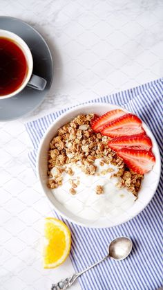 Granola with yoghurt and strawberries. Healthy breakfast healthy eating concept … Granola with yoghurt and strawberries. Healthy breakfast healthy eating concept …,تكوين Granola with yoghurt and strawberries. Healthy Fruits, Healthy Snacks, Healthy Eating, Healthy Recipes, Dessert Healthy, Breakfast Photography, Food Photography, Breakfast Recipes, Breakfast Healthy