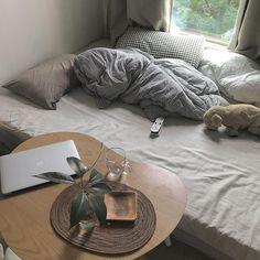 """전보라 / '연애가 끝났다' 작가 on Instagram: """"아침마다보는 출근하기 싫어지는 풍경 집순이는 울면서 출근합니다"""""""