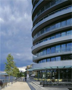 SVM undertook detailed design duties for the MEP and lift services to convert the ICL Tower office block into prime residential accommodation. The ICL Tower is adjacent to medieval buildings and Putney Bridge, and has excellent views of London including Canary Wharf Tower and the London Eye.