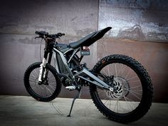 Sur-Ron Light Bee electric trail bike nails the price point Electric Dirt Bike, Best Electric Bikes, Electric Cars, Electric Vehicle, Electric Power, Electric Scooter, Custom Dashboard, Black Edition, Dirt Bikes