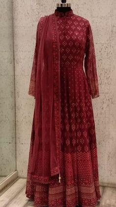 Woman Fashion Dresses - Just another WordPress site Indian Bridal Lehenga, Indian Gowns, Indian Attire, Red Lehenga, Lehenga Choli, Saree, Designer Party Wear Dresses, Event Dresses, Pakistani Outfits