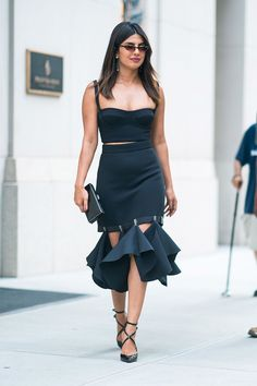 f696edb1a02b9 Priyanka Chopra's Swingy Cutout Skirt Is Just Begging For a Dance Floor