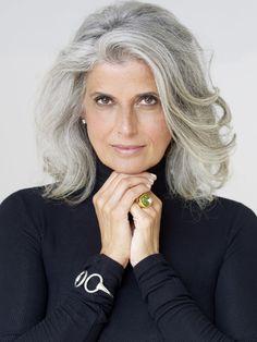 Claudia Maria okay I need to curl my hair Claudia Maria okay, ich muss meine Haare kräuseln Hairstyles Over 50, Older Women Hairstyles, Cool Hairstyles, Scene Hairstyles, Brown Hairstyles, Fashion Hairstyles, Long Gray Hair, Silver Grey Hair, Grey Hair Natural