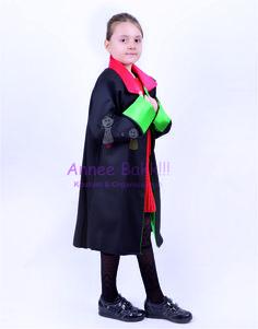 Meslek Kostümleri, Hakim Cübbesi, Avukat Çocuk Kostümü  Unisex bir üründür kız çocukları ve erkek çocuklar kullanabilir. Cübbe şeklinde tek parçadan oluşmaktadır. Üründe saten kumaş kullanılmıştır. Talebe göre farklı renk ve kumaşlar ile üretebilmekteyiz. Avukat ve Hakim kostümleri arasında sadece yaka ve manşet renk farkı vardır.