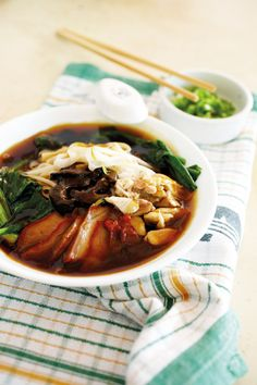 Ipoh Hor Fun: Chicken stock, mushrooms, light soy sauce, dark soy sauce, oyster sauce, cornstarch, sugar.