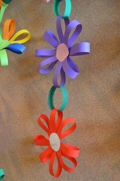 Spring Crafts For Kids With Construction Paper Kids Crafts, Summer Crafts, Toddler Crafts, Preschool Crafts, Easter Crafts, Diy And Crafts, Arts And Crafts, Wood Crafts, Paper Chains