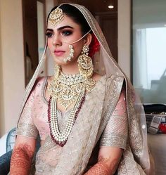 Mang tikka/ Raani haar/ Bride/ Jewellery/ Bridal jewelry/ Shaadisaga/ Wedding/ Wedding jewellery/ Bridestyle/ Bridal/ Bridal Makeup/ Getting Ready/ lehenga/Bridal portrait/ Earrings/ Bride style Indian Bridal Makeup, Indian Bridal Outfits, Bridal Dresses, Bridal Beauty, Indian Wedding Bride, Punjabi Bride, Bridal Lehenga, Lehenga Choli, Indian Designer Wear