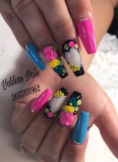 Pintado de uñas 3d Nail Art, Cute Acrylic Nails, Nail Art Hacks, Cute Nails, Pretty Nails, Art 3d, Rhinestone Nails, Bling Nails, 3d Flower Nails