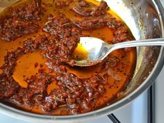 (Not) Sun Dried Tomato Sauce - A quick and easy tomato sauce that tastes like it's made with expensive sun dried tomatoes, but it's not!
