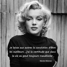 Marilyn Monroe (born Norma Jeane Mortenson, June 1926 – August was an American actress and model. Marilyn Monroe Frases, Fotos Marilyn Monroe, Marylin Monroe, Marilyn Monroe Haircut, Divas, Beautiful Celebrities, Beautiful Women, Simply Beautiful, Jolie Phrase
