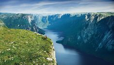 Hikers enjoying the view at Gros Morne by Newfoundland and Labrador Tourism, via Flickr