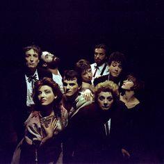 Ogni attore una maschera; ogni maschera un personaggio.