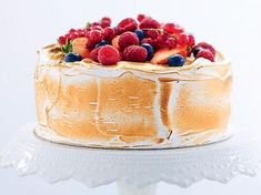 Himmelsk tårta med italiensk maräng Pie Dessert, Dessert Recipes, Desserts, Dessert Ideas, Roy Fares, Swedish Recipes, Tea Cakes, Cake Decorating, Bakery