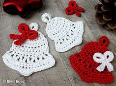 Crochet Patterns Christmas Christmas bells with a bow – in 2 sizes These pretty bells and … Crochet Christmas Decorations, Crochet Ornaments, Holiday Crochet, Christmas Ornament Crafts, Crochet Gifts, Crochet Yarn, Crochet Flowers, Christmas Christmas, Crochet Decoration