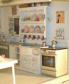 Such gorgeous details farom Carolyn's Little Kitchen