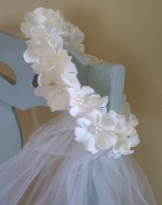 VALKEA First Communion Veil attached to wreath (option of off-white or white tulle) First Communion Veils, Holy Communion Dresses, First Holy Communion, Communion Hairstyles, Baptism Party, Flower Crown, Christening, Wreaths, Wedding
