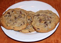 The Best Homemade Chocolate Chip Cookies. Large, chocolatey, gooey, chocolate chip cookies with just the right touch of crispiness and soft center. Homemade Chocolate Chip Cookies, Semi Sweet Chocolate Chips, Choco Chips, White Chocolate, Baking Recipes, Cookie Recipes, Dessert Recipes, Just Desserts, Delicious Desserts