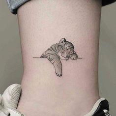 Tiger miniature  ✖✖✖✖✖✖✖✖✖✖✖✖✖  C: @  Follow ☛ @tattoozoan   Follow ☛ @tattoozoan