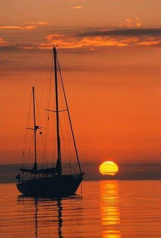 """""""If I had a boat, I'd go out on the ocean. And if I had a pony, I'd ride him on my boat. And we go off together, go out on the ocean.me upon my pony on my boat. Beautiful Sunset, Beautiful Places, Beautiful Pictures, Nature Pictures, Sail Away, Belle Photo, Sailing Ships, Ocean Sailing, Scenery"""