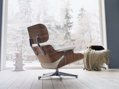 Famous Lounge Chair designed by Charles & Ray Eames - 1956