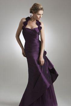 Purple bridesmaids dress - love this chic purple bridesmaid dress.