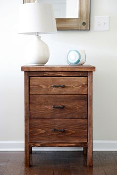 Ana White Build a Chest of Drawers from 2 by Free and Easy DIY Project and Furniture Plans Diy Furniture Plans, Furniture Projects, Wood Furniture, Furniture Online, Diy Wood Projects, Home Projects, Woodworking Projects, Woodworking Jointer, Woodworking Store