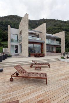 Villa in Stoliv, Montenegro by Enforma Studio