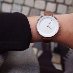 Watch it✨ Modellen heter Skagen Ditte, og har en råfin skinnreim Pris 1398,- fra @bjorklundkloverhuset @hannemjas #Kløverhuset #skagen #bjørklund #bjørklundkloverhuset