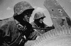 Antitank gunners of the Waffen-SS