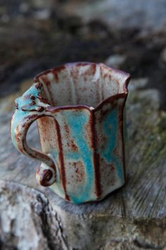 Sea and sand frog mug - hand built stoneware by Clay Creature Comforts - Etsy Slab Pottery, Pottery Mugs, Ceramic Pottery, Pottery Ideas, Thrown Pottery, Ceramic Cups, Ceramic Art, Cerámica Ideas, Café Chocolate